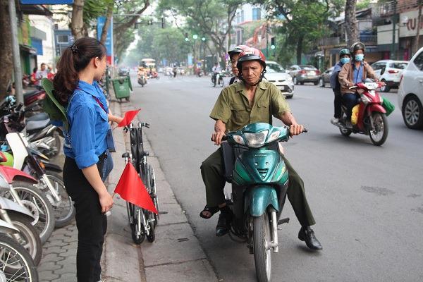 "bo dua con di thi thpt quoc gia bang xe lan: ""gap van den, toi lo con lo ky thi"" - 10"