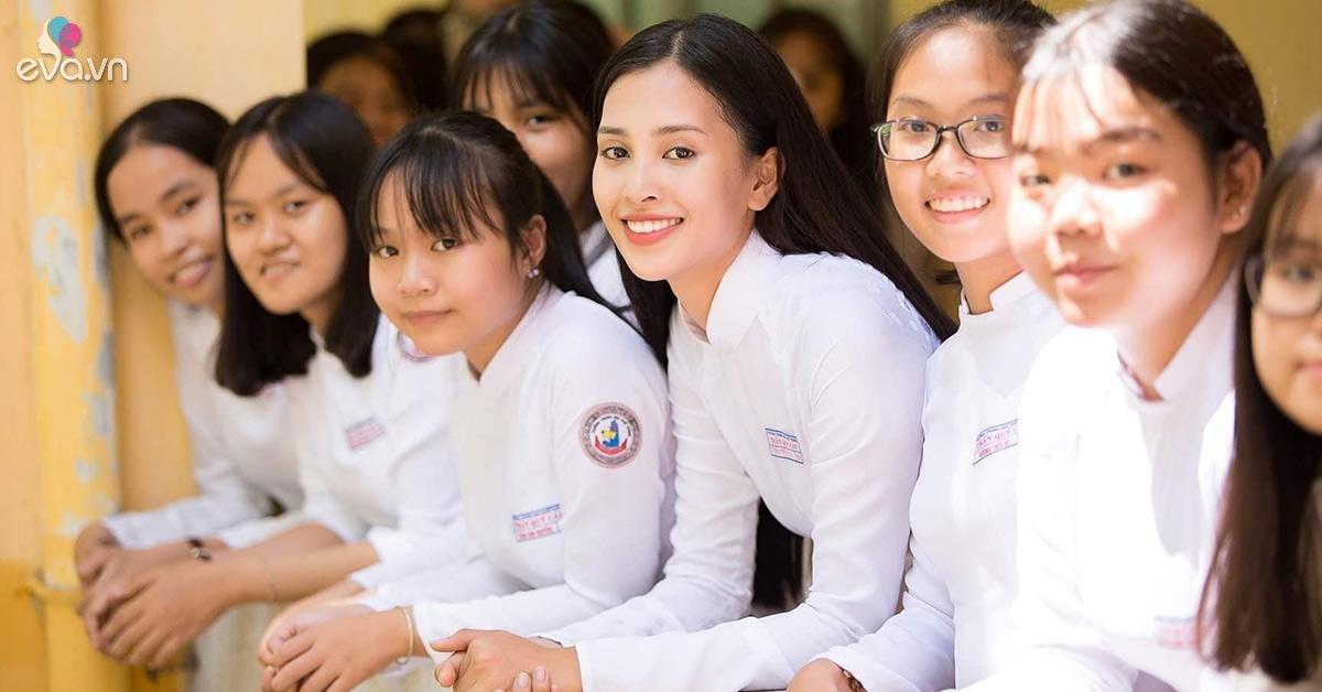 Hoa hâu Tiểu Vy khoe ảnh áo dài nữ sinh tuyệt đẹp trong kỳ thi THPT Quốc gia 2019
