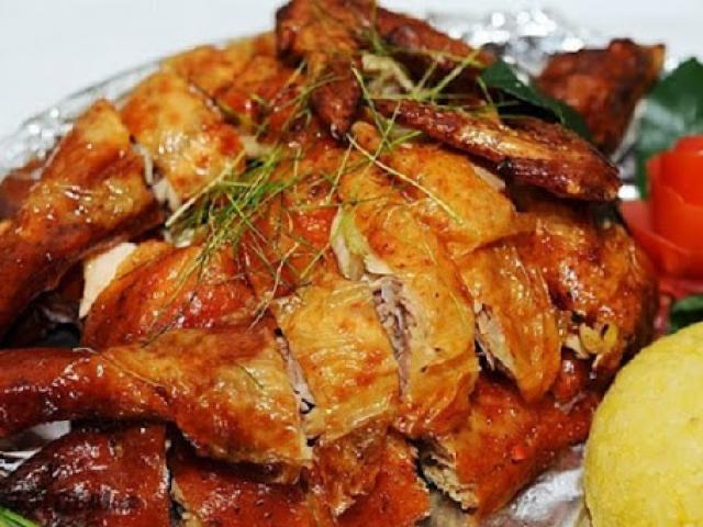 5 cách ướp gà nướng ngon đơn giản với muối, ớt, mật ong