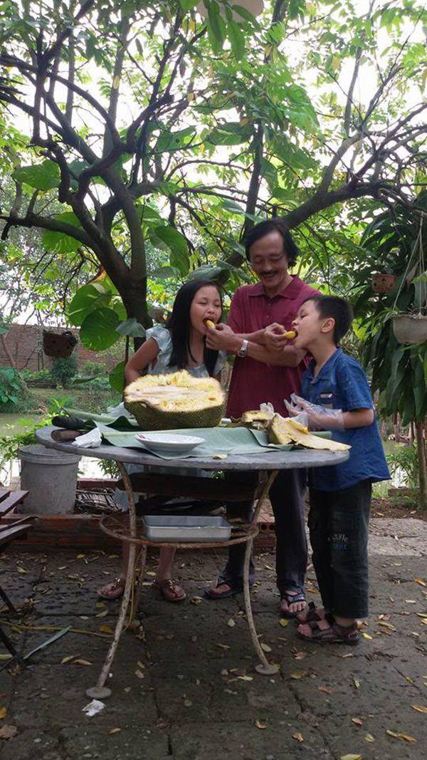 Nghệ sĩ Giang Còi về quê ở nhà vườn 10.000m2 ngập rau trái, sáng ra hái mang đi cho - Ảnh 6.
