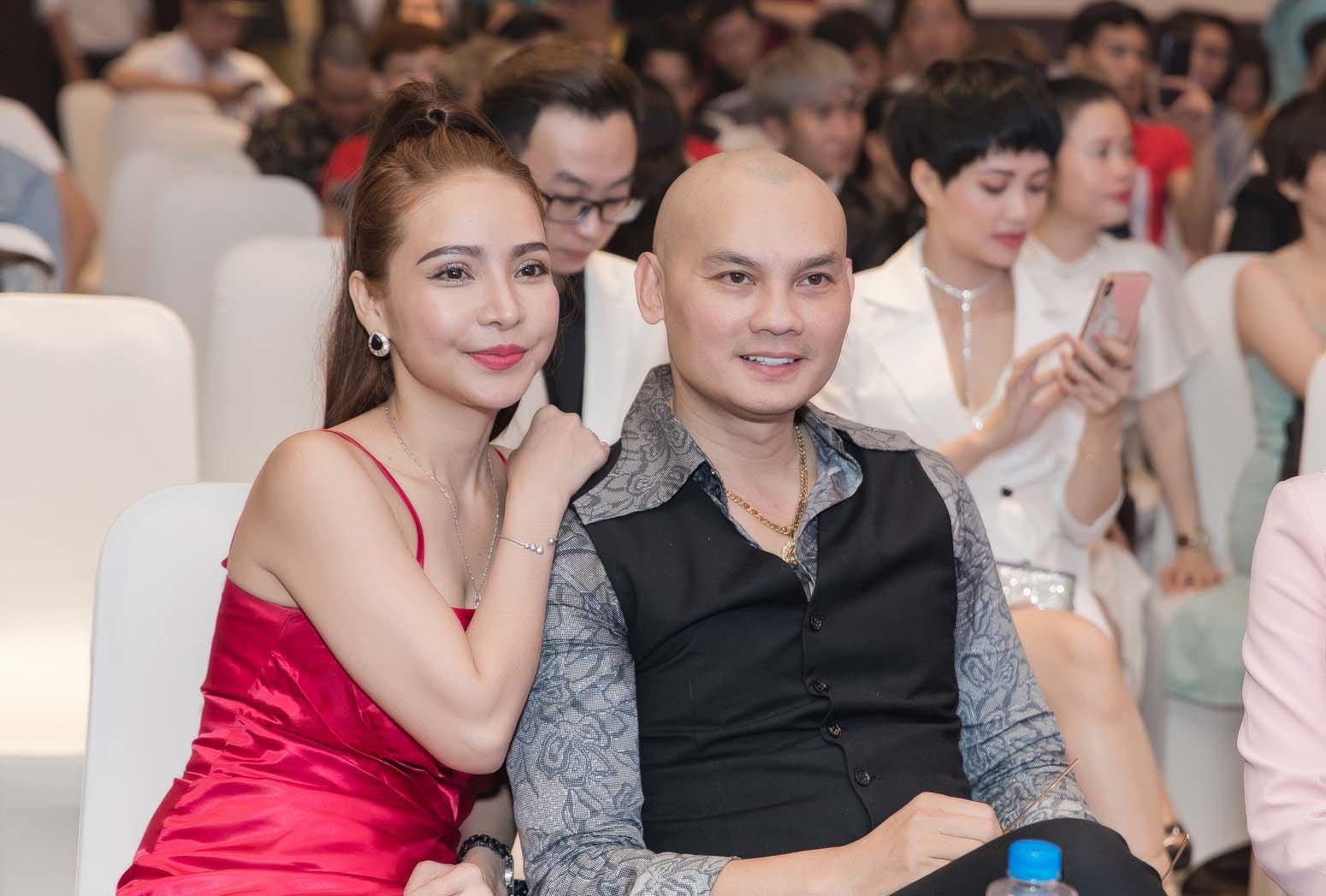 Bị đồn khoe con để che đậy giới tính, NSƯT Kim Tiểu Long công khai luôn vợ xinh đẹp - 3