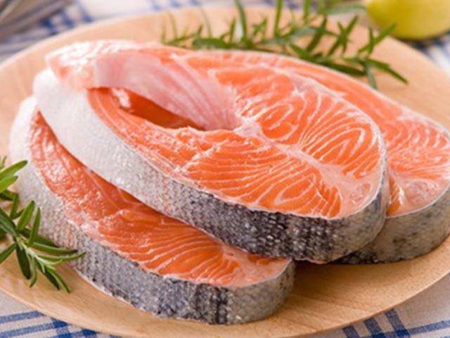 Cách nấu cháo cá thơm ngon, bổ dưỡng cho bé ăn dặm mà không bị tanh - ảnh 1