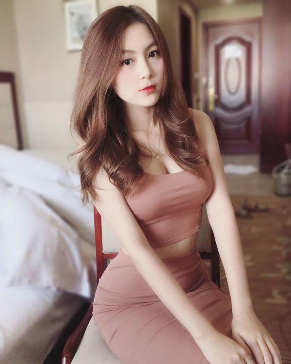 co giao hot girl nhan con mua loi khen sau man khoe hinh pho dien body nuot, eo that gon - 9