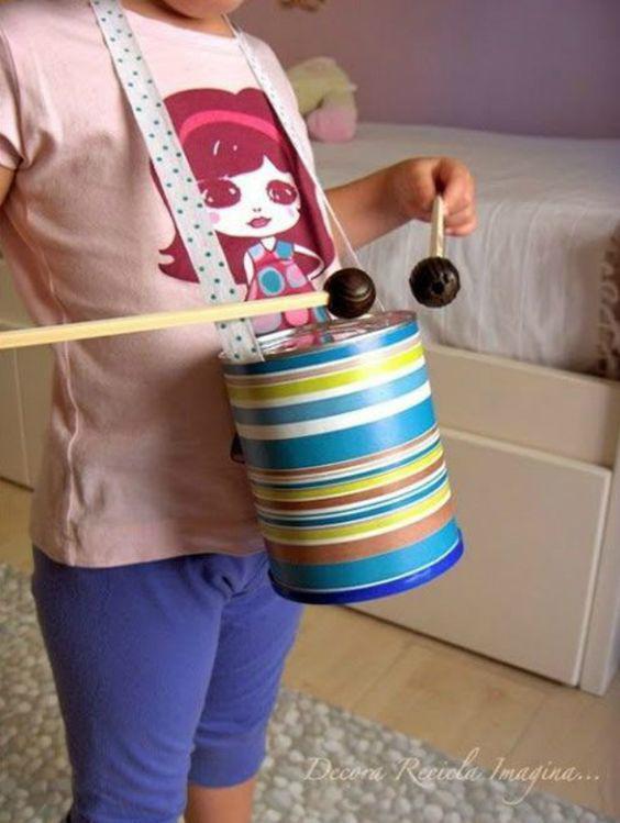 Tận dụng đồ bỏ đi trong nhà làm 5 đồ chơi cực thú vị cho bé - 8