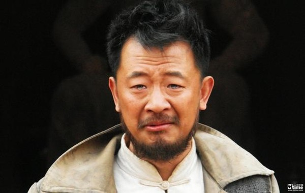 """tinh dich"" cua huynh hieu minh: tung quan sau scandal mua dam, song bang luong it oi cua cha - 3"