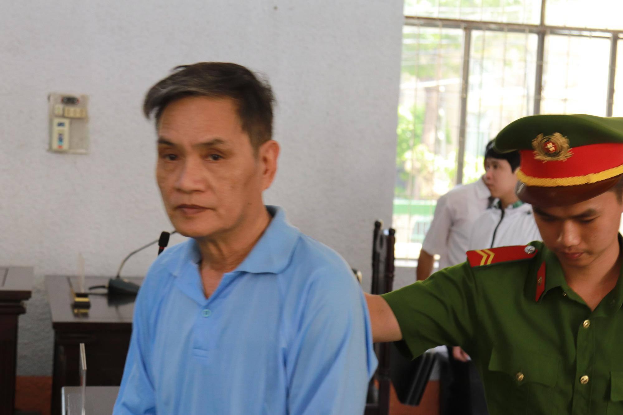 """cuong hiep giup viec 4 lan/ngay, ong chu van keu oan """"toi bi yeu sinh ly"""" - 4"""