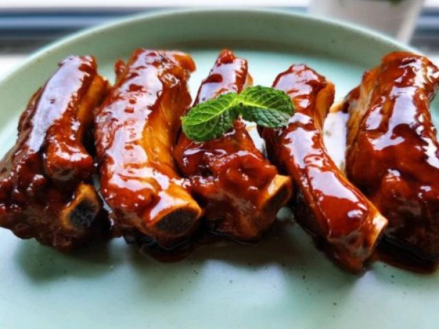 Trời oi nóng mấy mà bữa ăn có món sườn rim kiểu này chồng con đánh bay cả nồi cơm