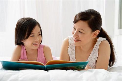 Muốn con phát triển toàn diện, cha mẹ đừng quên hỏi trẻ 4 câu hỏi này trước khi ngủ - ảnh 2