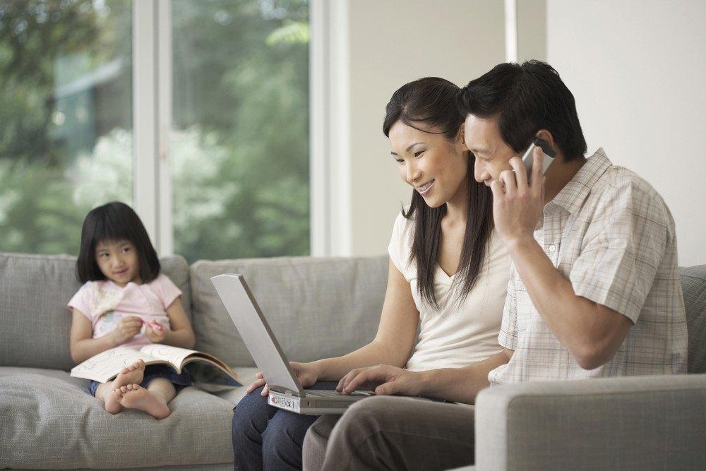 Muốn con phát triển toàn diện, cha mẹ đừng quên hỏi trẻ 4 câu hỏi này trước khi ngủ - ảnh 1