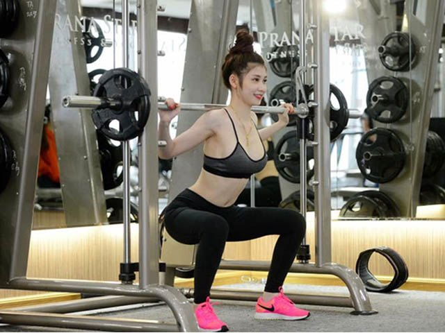 xưa rồi tập gym nhẹ nhàng, cao thái hà nâng tạ khi the dể có vóc dáng siêu chuẩn - 12
