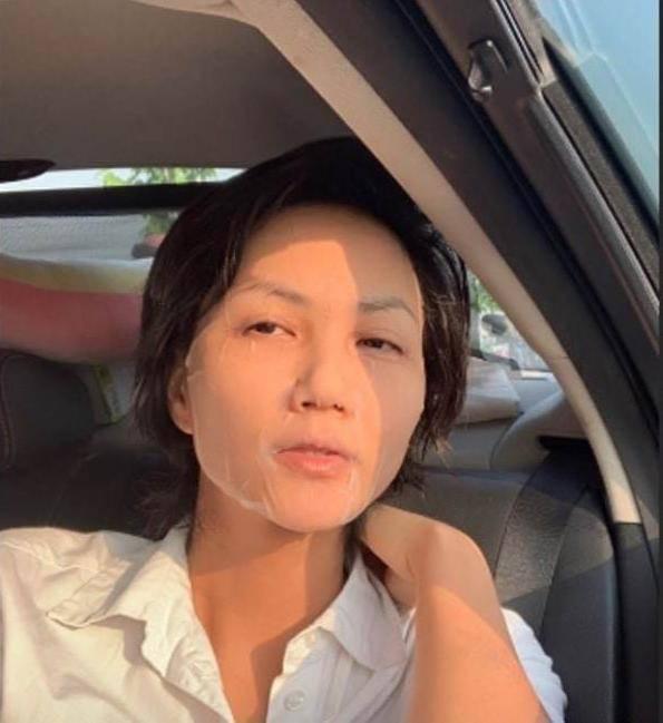 Bận rộn chăm con, mẹ bỉm Ốc Thanh Vân, Lan Cave đắp mặt nạ dưỡng da cả khi lái xe 5