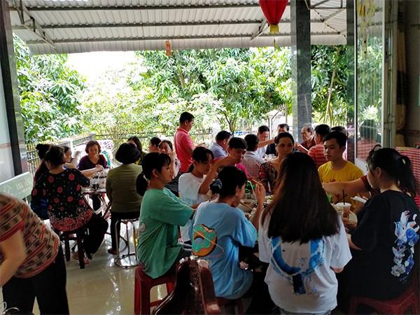 """mot thang sau ca de thuong, """"nguoi dan ong can tho mang bau"""" rang ro xuat hien ben vo con - 6"""