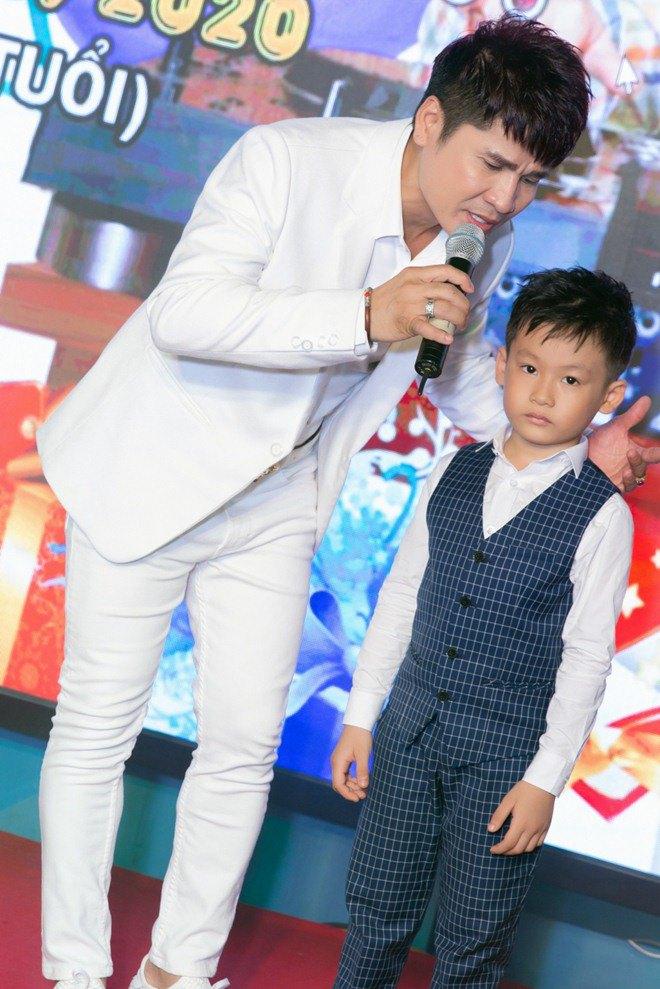 "lan dau tien lo dien con trai 7 tuoi khoi ngo cua ""vua nhac san"" luong gia huy - 6"