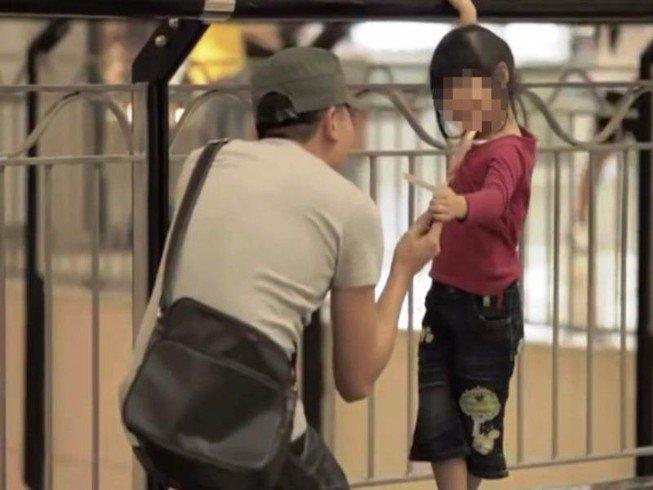 7 kỹ năng sống hãy dạy cho con để bé tự bảo vệ bản thân trước người lạ - 3