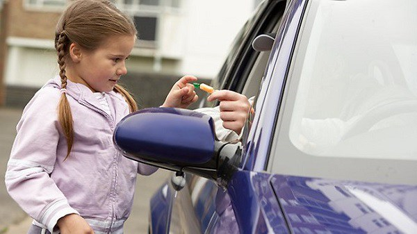 7 kỹ năng sống hãy dạy cho con để bé tự bảo vệ bản thân trước người lạ - 5