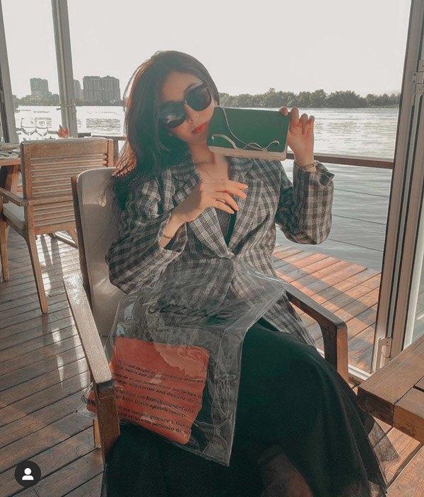 vong mot qua khung lai dien ao om sat, hot girl 2k vo tinh de lap lo noi y - 9