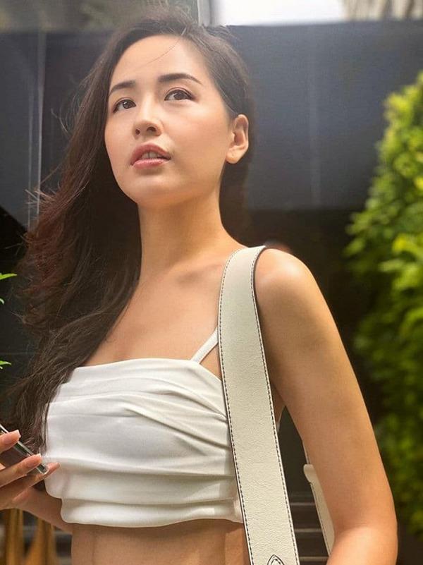 mai phuong thuy da lam the nao de tu mum mim gio day so huu vong eo 56 cm? - 7