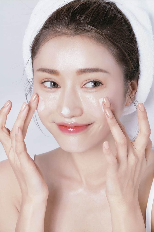Giúp nàng sở hữu làn da khô thoáng, láng mịn với những bí quyết chăm sóc da dầu mùa hè - 1