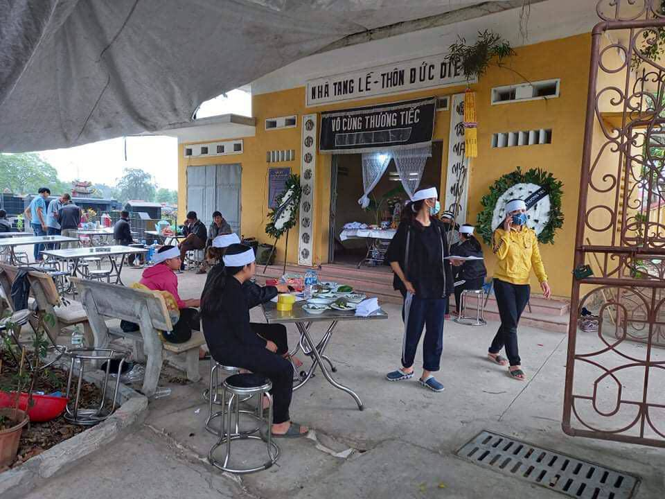Tin tức 24h: Rớt nước mắt gia cảnh nữ công nhân vệ sinh bị đánh tử.vong ở giữa phố - 1