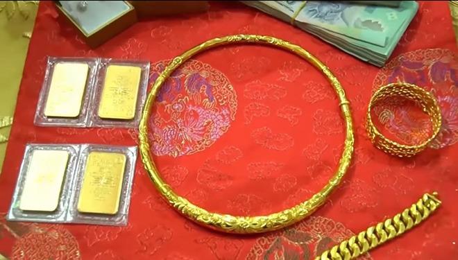 Cô dâu Sóc Trăng được mẹ đẻ tặng tiền, vàng và sổ tiết kiệm 2 tỷ đồng, CĐM ngưỡng mộ - 4