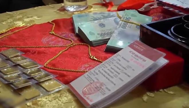 Cô dâu Sóc Trăng được mẹ đẻ tặng tiền, vàng và sổ tiết kiệm 2 tỷ đồng, CĐM ngưỡng mộ - 1