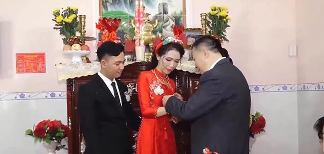 Cô dâu Sóc Trăng được mẹ đẻ tặng tiền, vàng và sổ tiết kiệm 2 tỷ đồng, CĐM ngưỡng mộ - 3