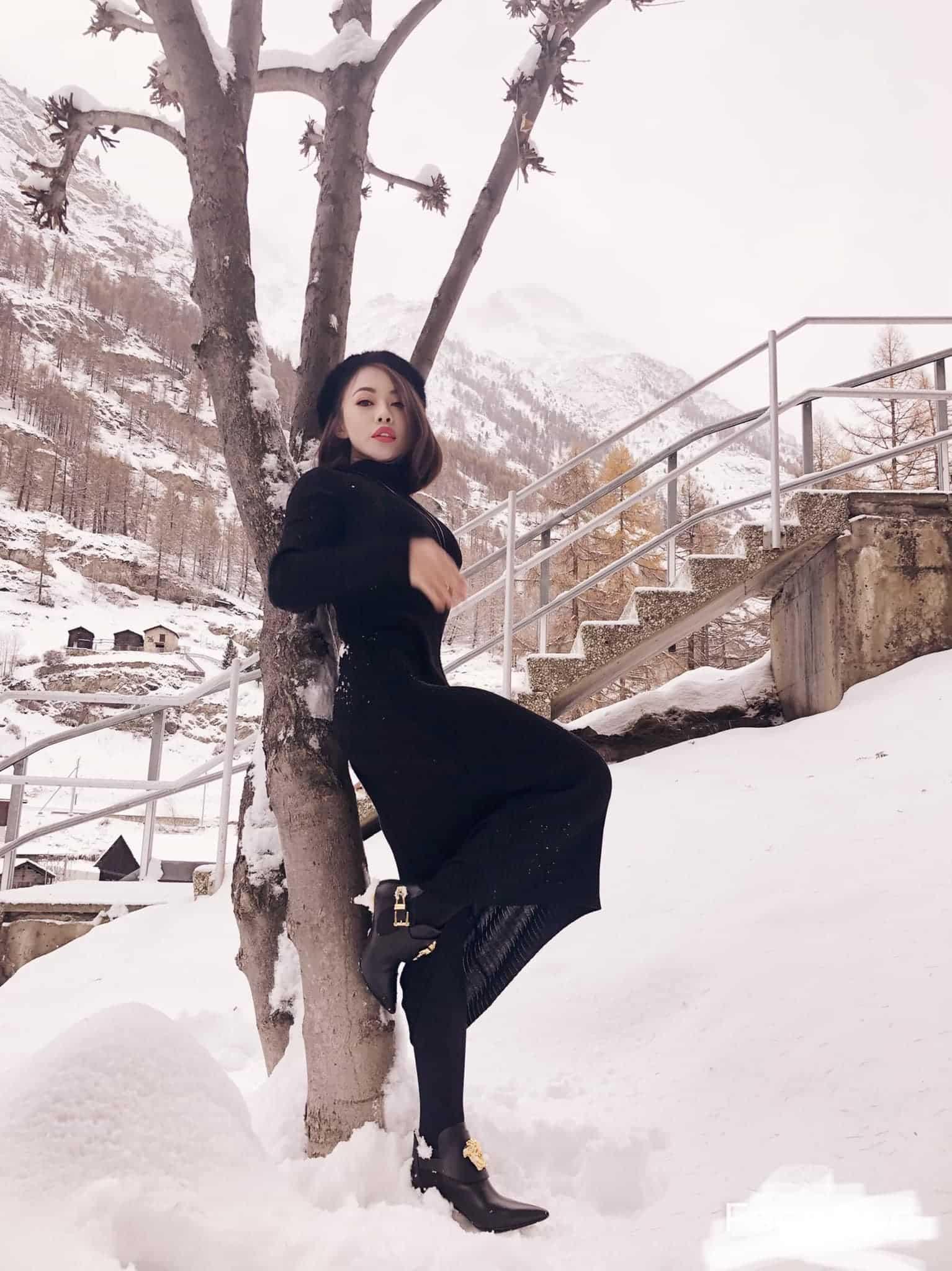 Không giản dị như anh trai, em gái Hoài Linh ăn mặc sành điệu, khoe trọn dáng nuột - 12