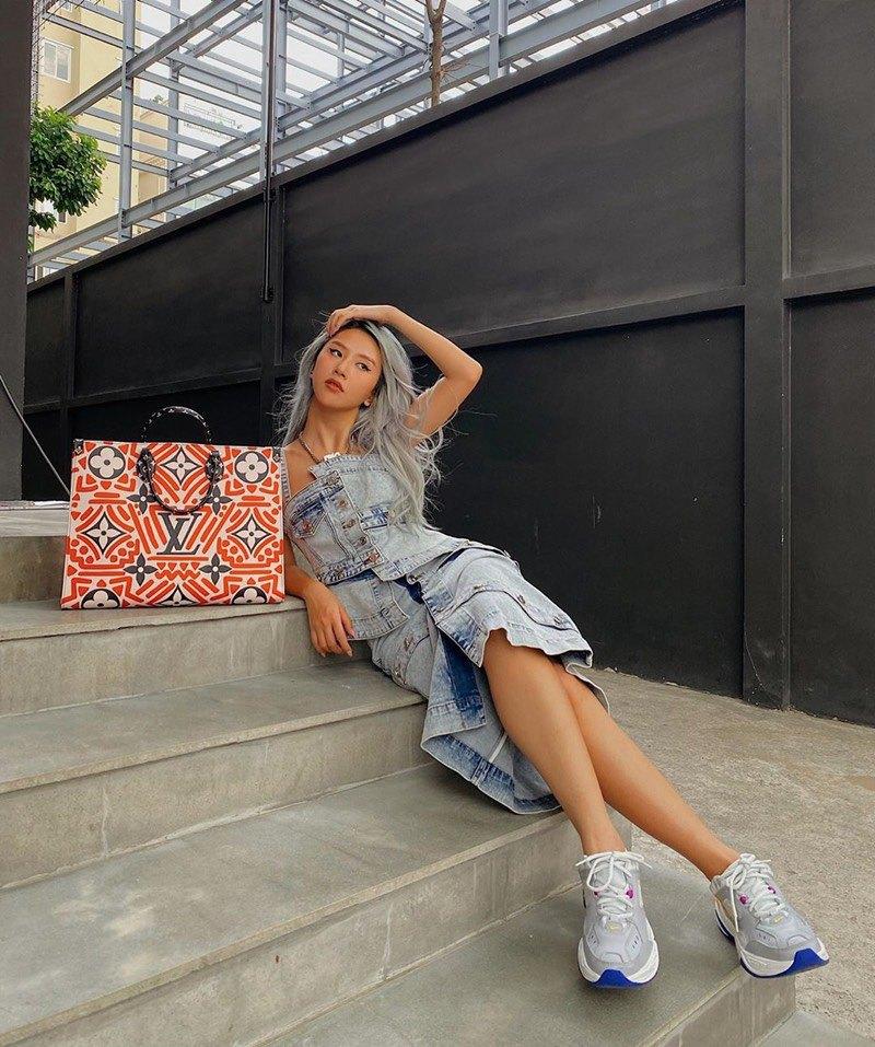 SAO SẮM GÌ: Chiếc túi này có gì mà cả Hoa hậu, diễn viên, người mẫu đều đụng hàng - 10