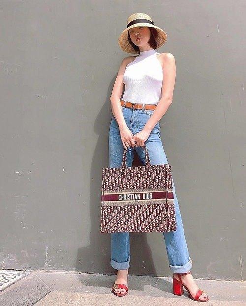 SAO SẮM GÌ: Chiếc túi này có gì mà cả Hoa hậu, diễn viên, người mẫu đều đụng hàng - 16