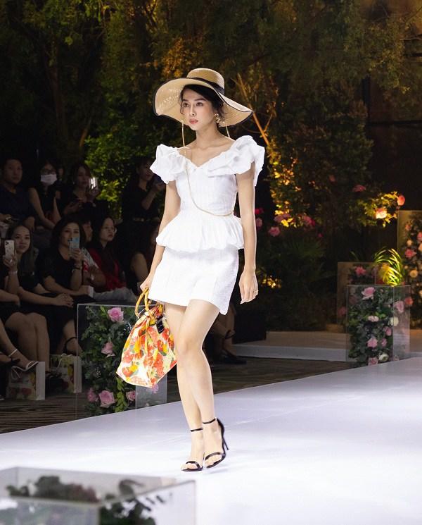Kiểu váy dịu mát được hội mỹ nhân Thái mê mẩn, diện vào ngày nắng còn thanh lịch hết mực - 15