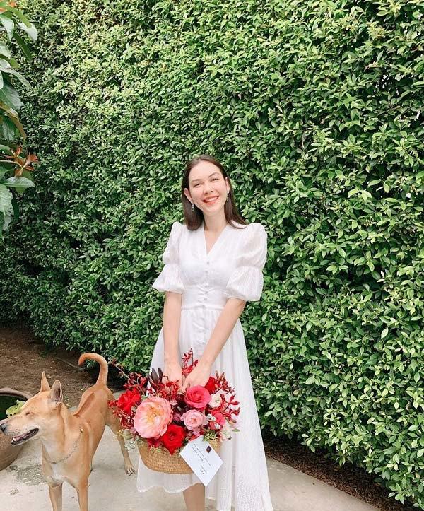 Kiểu váy dịu mát được hội mỹ nhân Thái mê mẩn, diện vào ngày nắng còn thanh lịch hết mực - 9