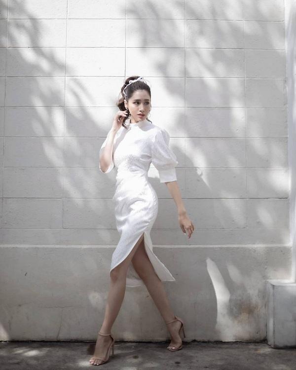 Kiểu váy dịu mát được hội mỹ nhân Thái mê mẩn, diện vào ngày nắng còn thanh lịch hết mực - 4
