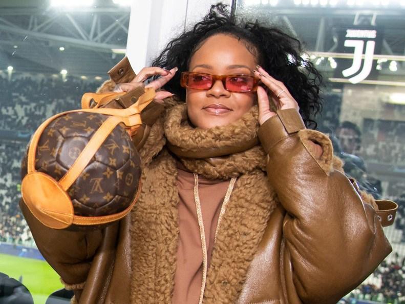 Không chỉ túi máy bay của Louis Vuitton, thế giới hàng hiệu còn nhiều mẫu túi độc lạ hơn thế - 8