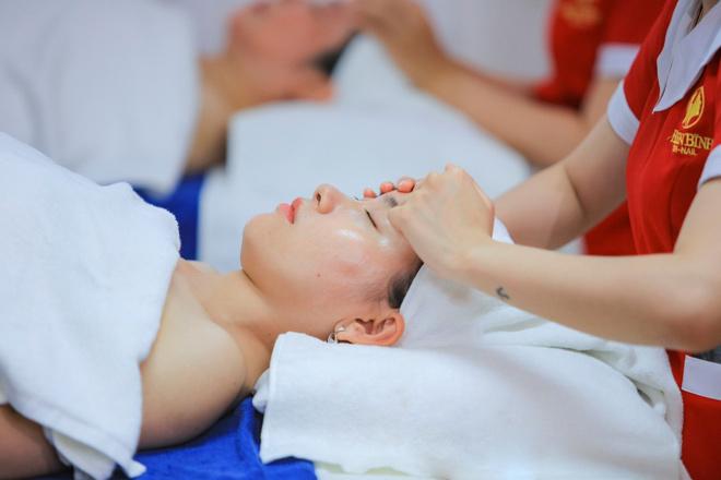 Massage chuyên sâu xua tan căng thẳng, mệt mỏi tại Hellen Bình Beauty Spa amp; Nails - 2