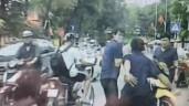 Mở cửa gây tai nạn, tài xế ô tô bị nạn nhân đánh ngay giữa phố