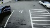 Chạy tốc độ 160km/h, ô tô lao vào trạm xăng như phim hành động