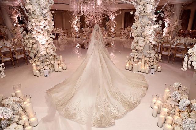 Đám cưới amp;#34;khủngamp;#34; 23 tỷ của chú rể 62 tuổi với vợ trẻ, phòng nghỉ cho khách đã 35 triệu/đêm - 4