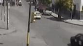 """Gây tai nạn, tài xế taxi còn tranh thủ """"hôi tiền"""" của nạn nhân"""