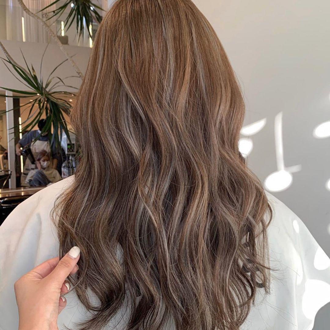 Các màu tóc nhuộm công sở tôn da cho nàng không thích chói chang ngày hè - 10
