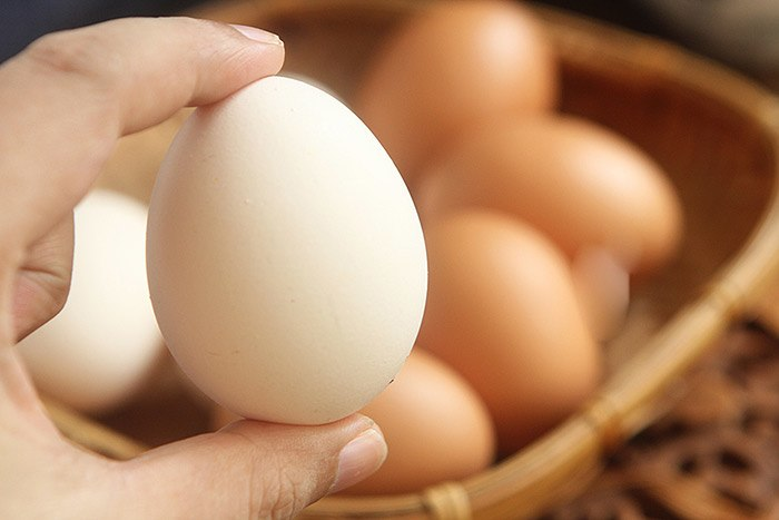 Mua trứng, thấy 4 dấu hiệu này nên tránh xa, vừa hại sức khỏe lại tốn tiền - 3