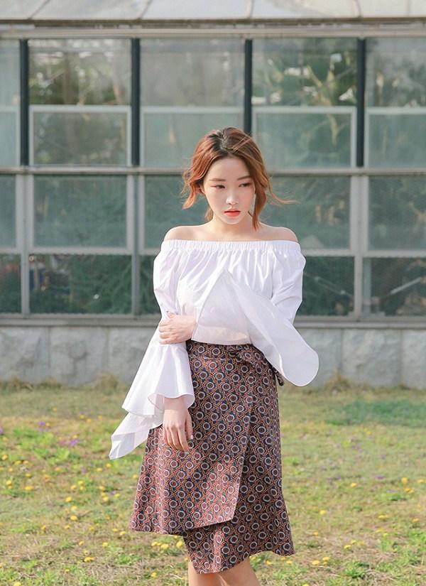 Sao Hàn cứ diện áo trễ vai là quyến rũ, bí kíp trẻ hoá và trông mảnh mai là đây - 12