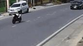 Sốc cảnh xe máy không người lái vẫn chạy băng băng trên phố