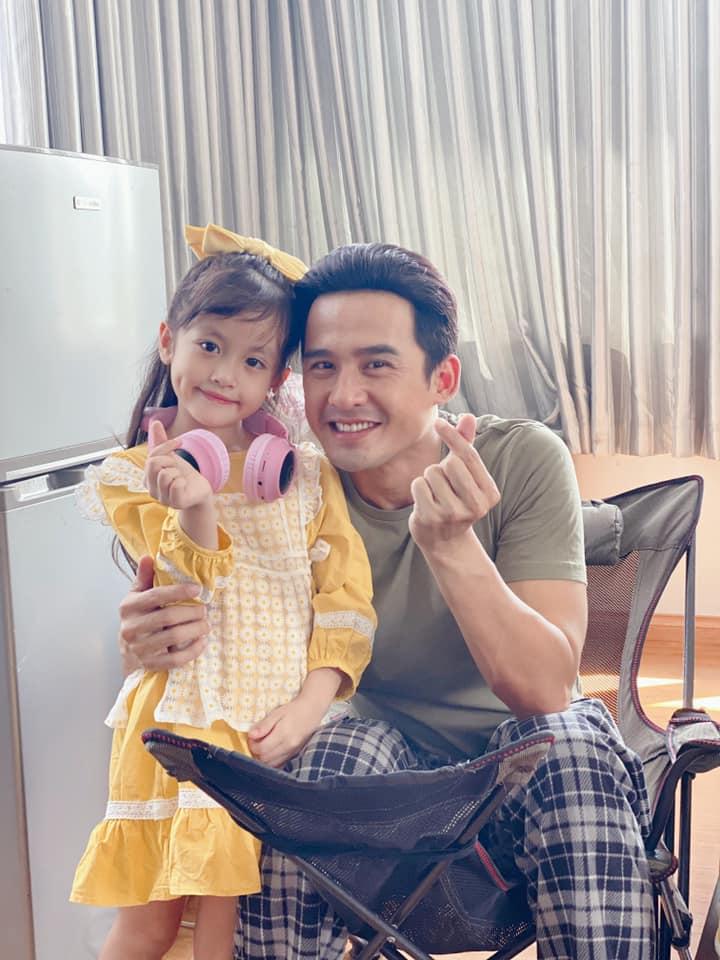 Con gái mẹ đơn thân bán ốc ở Nha Trang thành Miss Gương mặt đẹp, được sao Việt ngỏ lời - 3