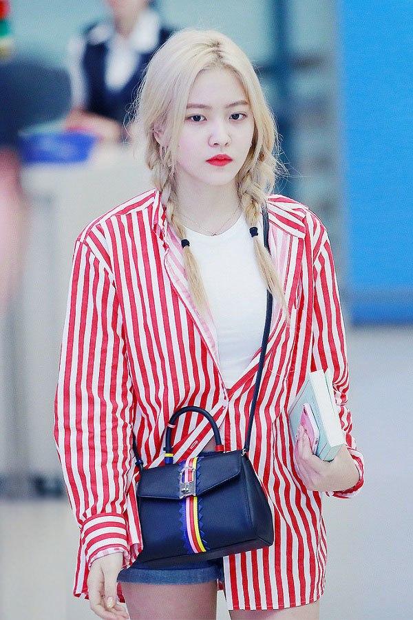 """Tìm ra kiểu áo là """"bảo bối"""" của các sao Hàn, ai mặc lên trông cũng vừa cao vừa gầy - 4"""