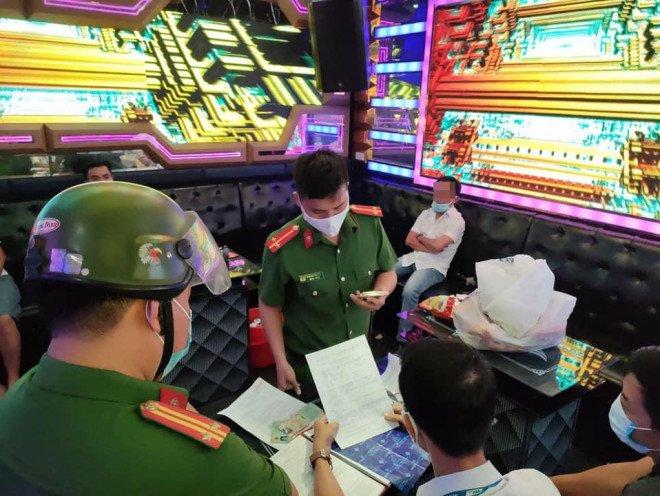 Tin tức 24h: Lý do thật sự khiến bà Phương Hằng dừng cuộc chiến amp;#34;tất tayamp;#34; với nghệ sĩ showbiz - 6