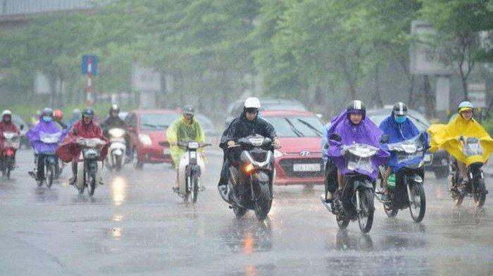 Miền Bắc sắp xuất hiện những trận mưa lớn kèm dông lốc, amp;#34;thổi bayamp;#34; nắng nóng 40°C - 1