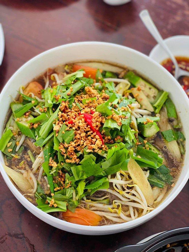 Hoàng Oanh sướng rớt nước mắt, Thu Minh chạy sang ăn ké nhà amp;#34;Nữ tướng cướpamp;#34; vì nấu quá ngon - 4
