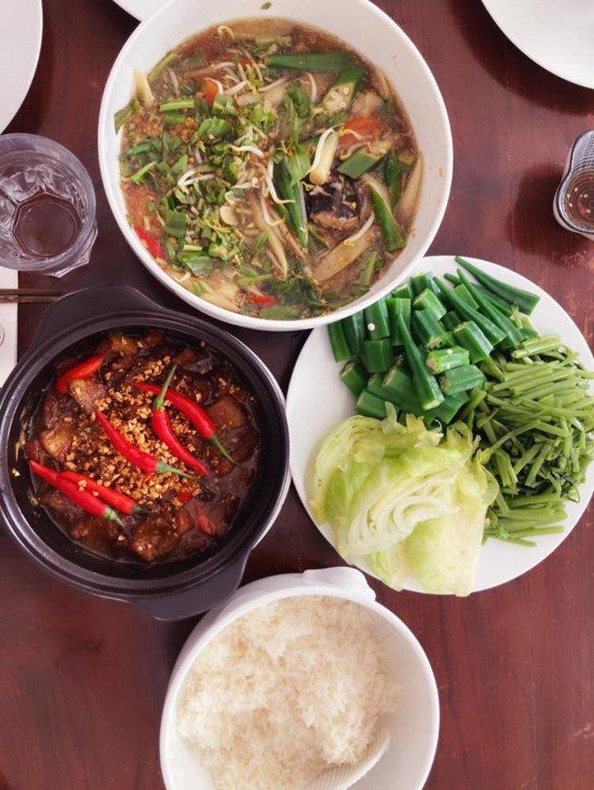 Hoàng Oanh sướng rớt nước mắt, Thu Minh chạy sang ăn ké nhà amp;#34;Nữ tướng cướpamp;#34; vì nấu quá ngon - 3