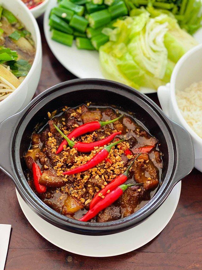 Hoàng Oanh sướng rớt nước mắt, Thu Minh chạy sang ăn ké nhà amp;#34;Nữ tướng cướpamp;#34; vì nấu quá ngon - 5