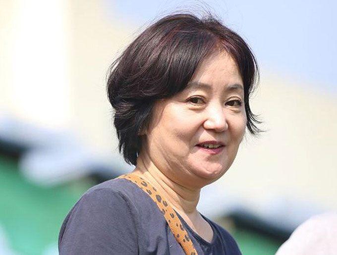 Dung nhan bà xã HLV Park Hang Seo trong ảnh cưới ngày trẻ kiêu sa, có tuổi càng kiều diễm - 8